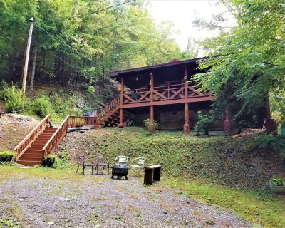Cozy Log Cabin on 3+ Acres-100% SECLUDED-Flat Roads-4 miles to Pigeon Forge-WIFI - Pigeon Forge
