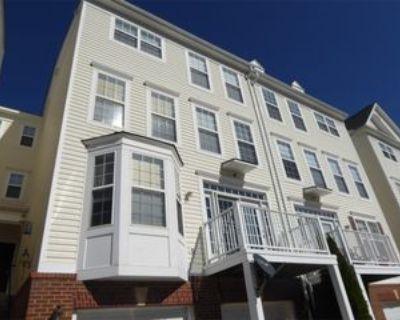 13558 Davinci Ln #1, Herndon, VA 20171 3 Bedroom Apartment