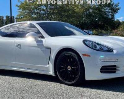 2015 Porsche Panamera Standard