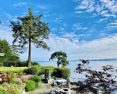 Heron's Retreat - Tranquil Oceanfront 5-Bedroom Estate - Saanichton