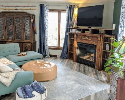 Private Guest Suite in Akron w/ Private Bath and Kitchenette, pets welcome - Akron