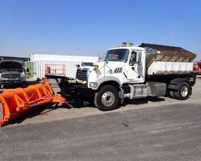 2013 MACK GRANITE GU712 Hooklift Trucks Heavy Duty
