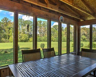 Ooltewah Cabin w/ Grill, Pool Table & Porch! - Chickamauga Lake