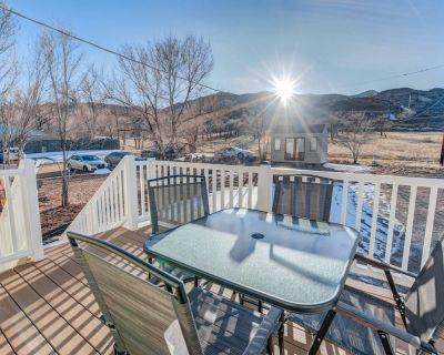 2BR aptmt Parks Private deck, mountain views! - Old Colorado City