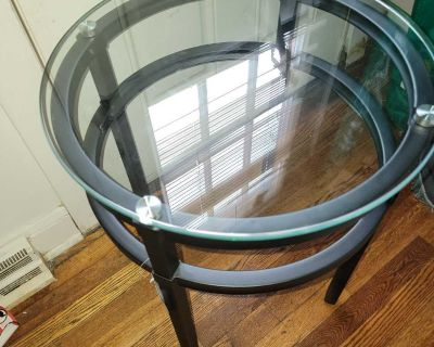 Tempered glass top accent table