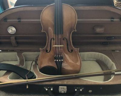 Full size violin in great condition!!!
