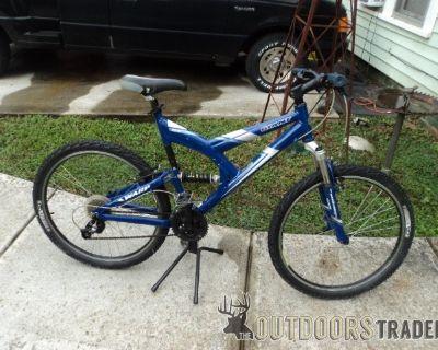 "FS Mens 26"" Giant Mountain Bike"