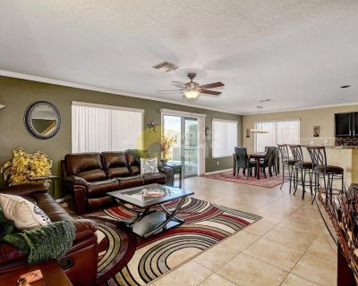 Gold Canyon 3bd home with pool and hot tub