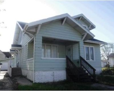 4 Bed 2 Bath Foreclosure Property in Moberly, MO 65270 - S Williams St