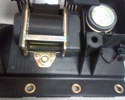 03-11 Mercedes R230 Sl600 Sl65 Amg Luggage Speaker Seat Belt Mount A2308680131