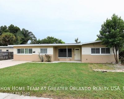 UPDATED 3br 2ba in Conway/Lake Underhill area, with HUGE KITCHEN and a detached 2 car garage!!!