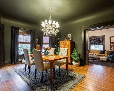 Eclectic Apartment Minutes from Downtown - Rosedale