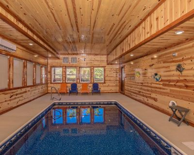 Mountain Majesty: Views, Indoor-Pool, Home Theater, Game Room, Premier+, close to Attractions! - Pigeon Forge