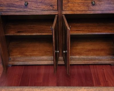 Dining Room Buffet (matches table & chairs on other listing)
