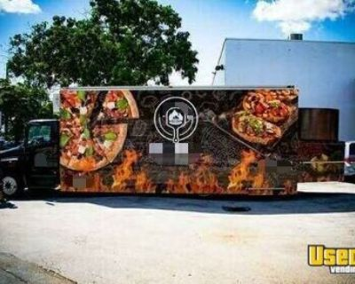 2007 Hino 268 - 47' Turnkey Ready Mobile Pizzeria / Awesome Professional Pizza Truck