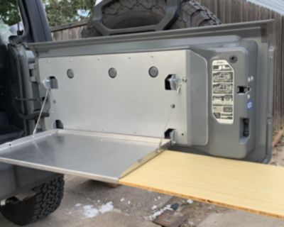Connecticut - WTB Outback folding table