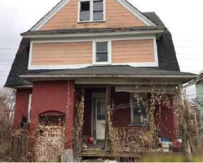 4 Bed 1.5 Bath Foreclosure Property in Binghamton, NY 13901 - State St