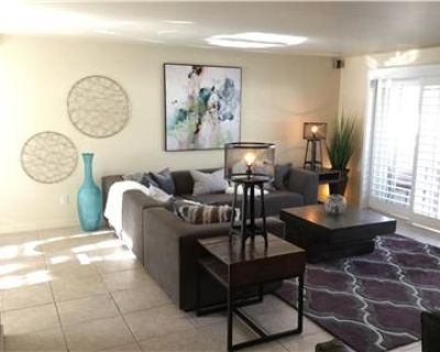 Luxury Furnished Condo Palm Springs- Large 2bd 2ba