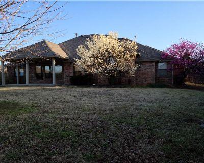 Single Family Home for sale in Edmond, OK By Clint R Morrow - REALTOR ®