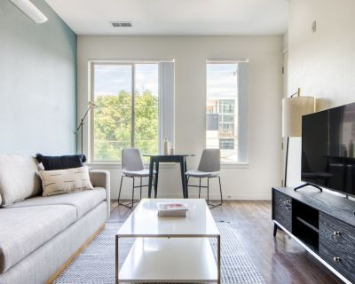 Amazing Lohi 1BR w/ W/d, Gym, 1 Block From Platte St Bars, by Blueground - Highland