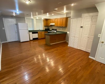 3 Bedroom+ Den/2 Full Bath in Glover Park! Available NOW!