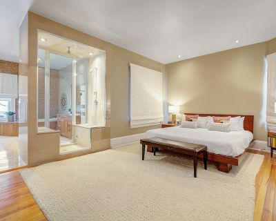 Stunning Modern Home! Prime Location Sleeps 15 - Uptown