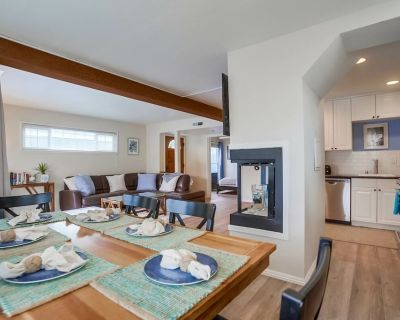 Cozy Beach Cottage by 710 Vacation Rentals   Fireplace & Private Front Patio - Mission Beach