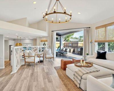 The Luxury Beach Home w/ Pool + Hot Tub - Encinitas