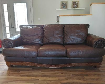 MOVING! NEED GONE. Big leather couch