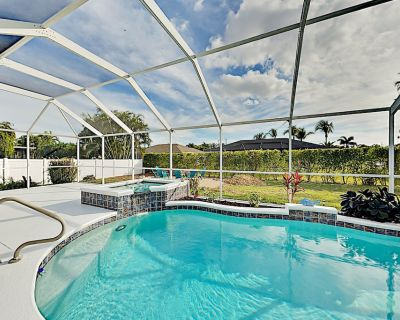 Big Corner-Lot Paradise | Heated Pool, Spa, Grill, Alfresco Dining & Fire Pit - Pelican