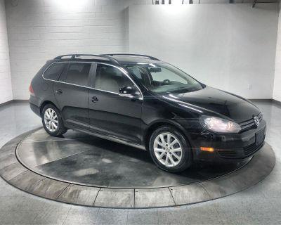 Pre-Owned 2013 Volkswagen Jetta SportWagen SE Front Wheel Drive 4 Door
