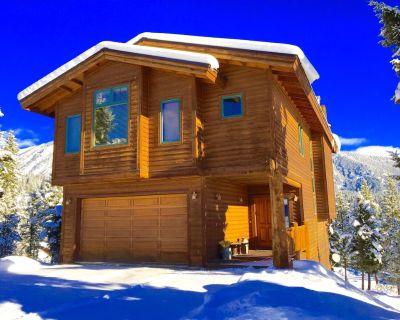 Gorgeous, upscale Big Sky home w/ Mtn Views & Privacy - Antler Ridge