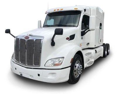 2018 PETERBILT 579 Sleeper Trucks Truck