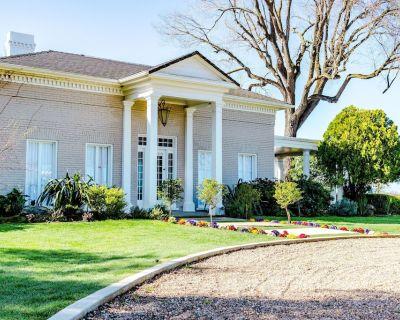 Breathtaking Estate: 5-star finishes. Restored. Private Pool. Gardens. River. - Acampo