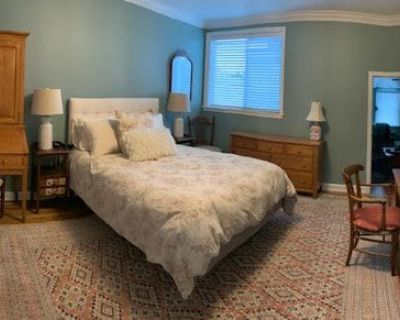 Mountain Lake jewel, two-room suite