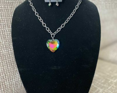 New Gorgeous Necklace with Earrings set Multi-Color $5.33