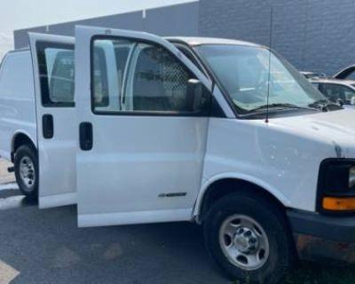 2005 Chevrolet Express Cargo Van Base