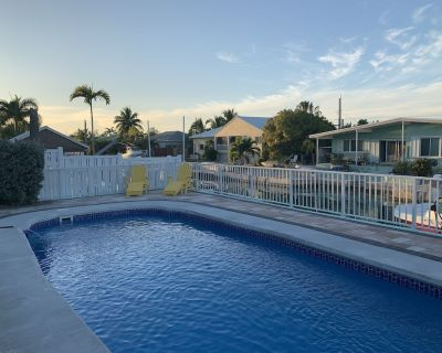 Cudjoe Key 3bdr,2 bath Pool, 20 min from Key West, Ocean Access, Bikes, Canoe - Cudjoe Gardens