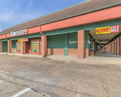 Former Brother's Retail End-Cap Space for Lease