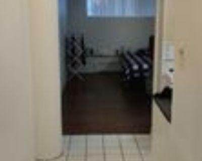 3475 Rue Durocher, Montr al, QU BEC H2X 2C6 Studio Apartment