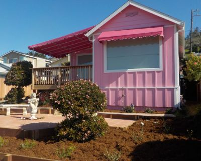 Perfect Pink Paradise - Cayucos
