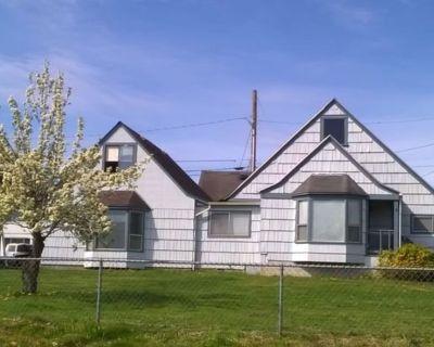 Eatonville Single Level Family Home For Rent