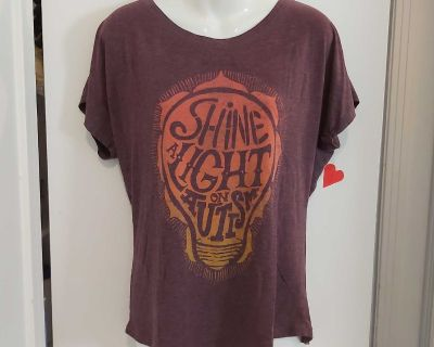 Ladies Soft Slouch Top, size L, $3