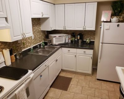Your Townhome with all the EXTRA's 15 Minutes from Oceanfront - Norfolk