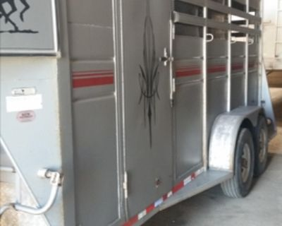 3 horse slant trailer with living and tack