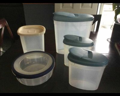 Food storage container lot