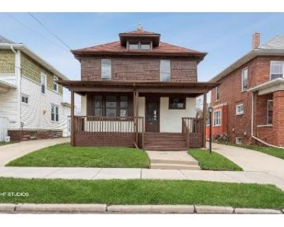 3 Bed 1 Bath Foreclosure Property in Racine, WI 53405 - Kinzie Ave