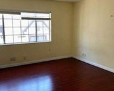 10709 Ashton Ave #4, Los Angeles, CA 90024 3 Bedroom Condo