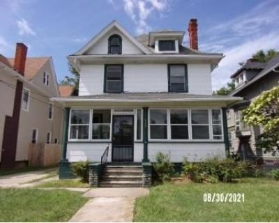3 Bed 2 Bath Foreclosure Property in Toledo, OH 43620 - Warren St