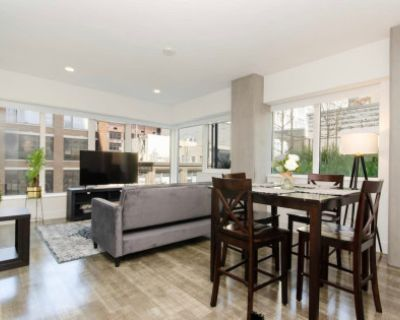 Luxury Modern Downtown Apartment with City Views, Los Angeles, CA